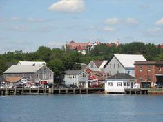 15 Best Small Towns to Visit in Canada - Page 3 of 15 - The Crazy Tourist Largest Countries, Countries Of The World, Canada Travel, Travel Usa, Algonquin Hotel, New Brunswick Canada, Visit Canada, Seaside Resort, Prince Edward Island