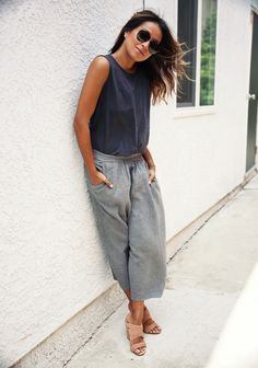 Shades of gray and effortless relaxed look with culottes.