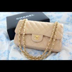 Chanel 2.55....