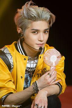 NCT Taeyong - NCT 127 The Stage pre-recordings by Naver x Dispatch Nct Taeyong, K Pop, Nct 127, Winwin, Ntc Dream, Yuta, Bubbline, Idole, Kpop Guys