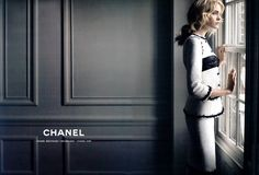 Whenever I think of Chanel, I think of this photo/pose of Heidi Mount. I like that classic black and white (en noir et blanc) luxurious dress.