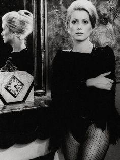 Catherine Deneuve em A Sereia do Mississippi (La sirène du Mississipi, dir François Truffaut, 1969).