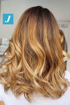 Oro _ Degradé Joelle. #cdj #degradejoelle #tagliopuntearia #degradé #igers #musthave #hair #hairstyle #haircolour #longhair #ootd #hairfashion #madeinitaly #wellastudionyc