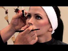 A continución te presentamos nuestro curso de maquillaje para iniciar tus conocimientos de forma seria y profesional. Puedes comenzar ahora mismo a aprender Makeup Tips, Eye Makeup, Mary Kay, Beauty Hacks, Hair Beauty, Make Up, Maje, Smoky Eye Makeup, Makeup Tips And Tricks