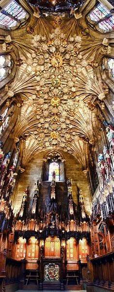 Thistle Chapel of St Giles Cathedral in Edinburgh, Scotland ~ Wendy Rauw - I'm amazed at the beauty of these places of worship. Beautiful Architecture, Beautiful Buildings, Beautiful Places, Oh The Places You'll Go, Places To Travel, Places To Visit, England And Scotland, Scotland Uk, Scotland Trip