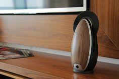 Toc, la platine vinyl verticale en forme d'oeuf - http://www.leshommesmodernes.com/toc-platine-vinyls/
