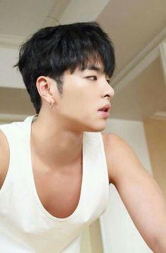 you're so fine 😭😭 Yg Entertainment, Bobby, Ikon Member, Koo Jun Hoe, Kim Jinhwan, Jay Song, Ikon Wallpaper, Best Kpop, The Originals