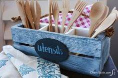 This DIY utensil caddy is a must-make for outdoor parties this summer
