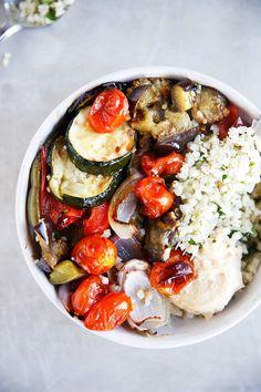 Greek veggie bowl vegetarian and vegan recipes рецепты. Whole 30 Recipes, Greek Recipes, Vegetarian Recipes, Healthy Recipes, Vegetarian Lunch, Paleo Vegan Diet, Vegan Meal Prep, Clean Eating, Healthy Eating