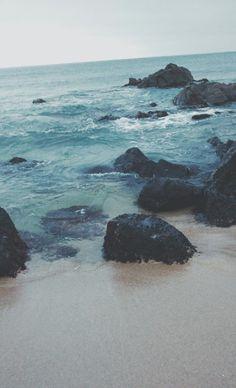••• @annaliashko •••