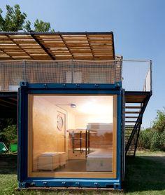 Containhotel / Artikul Architects | ArchDaily