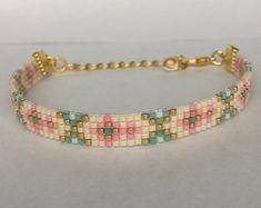 Hama Beads, Seed Beads, Bracelet Making, Jewelry Making, Bead Loom Bracelets, Bead Loom Patterns, Brick Stitch, Loom Beading, Jewelry Design