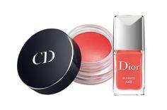 Vernis et blush coordonnés collection capsule Dior http://www.vogue.fr/beaute/buzz-du-jour/diaporama/vernis-et-blush-coordonnes-collection-capsule-dior/13059#!3 // tangerine for summer!