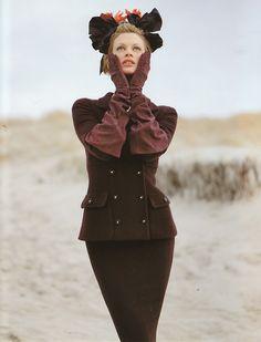 Chanel F/W 1996/'97Photographer: Karl LagerfeldModel: Kristen McMenamy