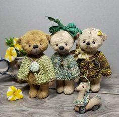 Teddy Bear Mimi By Elvira Konysheva - Bear Pile