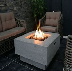9 Fire Pit Tables For The Outdoor Area #exteriordesign #firepits