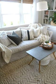 How to Mix Pillow Patterns like a Pro! #throwpillows #homedecor #homeaccessories #nestingwithgrace