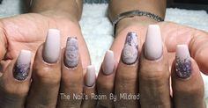 Encapsulated flowers & glitter #thenailsroom #uñas #uñasacrilicas #uñasdecoradas #nailfill #dainty #pretty #nailitdaily #3dflowers #nails #nailsoftheday #nailsmagazine #nailprodigy #nailpromote #flowers #coffinnails #longnails #glitternails #glitter #purplenails #nailsofinstagram #nailporn