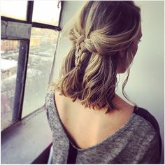 18 Easy Braids for short hair - Madame Frisuren - cheveux Easy Hairstyles For School, Long Bob Hairstyles, Trendy Hairstyles, Braided Hairstyles, Prom Hairstyles, Short Haircuts, Summer Hairstyles, Hairstyle Short, Popular Haircuts