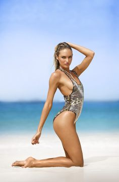 Foccus W: Candice Swanepoel – Victoria's Secret Photoshoot (2011)