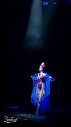 Eliza Delite at the Berlin Burlesque Festival 2013. Copyright John Paul Bichard
