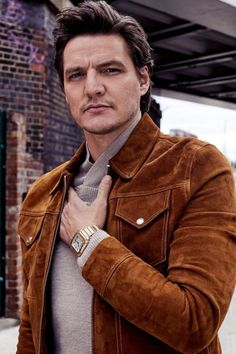 Pedro Pascal Photographed for Santos de Cartier Pedro Pascal, Cartier, League Of Extraordinary Gentlemen, The New Mutants, Man Thing Marvel, Good Looking Men, American Actors, Celebrity Crush, Gorgeous Men