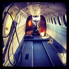 NOS MUESTRAN AMBULANCIA AÉREA REINO UNIDO (3ª Parte.).    De nuevo recordamos a nuestro capitán @Dan, piloto corporativo de #ambulancia aérea del Reino Unido que vuela en los King Air 350.                                               http://www.ambulanciasyemergencias.co.vu/2015/03/AMBULANCIA_28.html?m=1