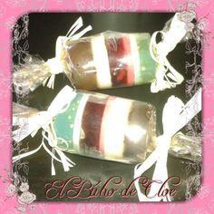 jabón de glicerina 3€  Un detalle perfercto para regalo con 3 jabones diferentes de flores, grosellas y mar!! #handmadesoap #handmade #artesania #artesania #regalos #jabón #jabondeaceite #clematide #jabondecolores #soap #diy #jabones #jabonesartesanales #elbuhodecloe