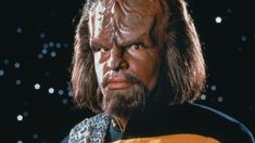 Worf's Dad Is Repeatedly Disgraced When Predictive Text Writes Star Trek: The Next Generation