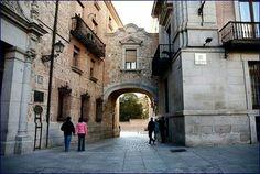 Calle Madrid. Peculiaridad: no tiene portales.