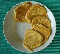 Juhtúrós minipalacsinta | Tűpárna és habverő Pancakes, Breakfast, Food, Morning Coffee, Eten, Meals, Pancake, Morning Breakfast, Crepes