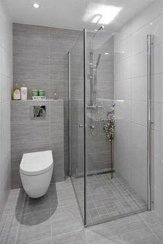 33 Ideas For Small Bathroom - kleines badezimmer Bathroom Layout, Modern Bathroom Design, Bathroom Interior Design, Bathroom Wall Tiles, Toilet And Bathroom Design, Toilet Tiles, Bathroom Canvas, Tub Tile, Restroom Design