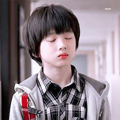 winwin and xiaojun Winwin, Jaehyun, Nct 127, Taeyong, Ntc Dream, Park Jisung Nct, Park Ji-sung, Johnny Seo, Kpop Memes