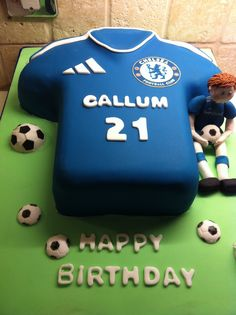 Anyone Can Play Football With These Tips. If you are already an avid football fan, then the article below is just for you. Soccer Birthday Cakes, Sports Birthday, Themed Birthday Cakes, Soccer Cakes, Football Cakes, Soccer Party, Chelsea Football Cake, Sports Themed Cakes, Shirt Cake