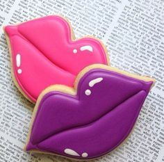 Lips cookies for valentine's day Fancy Cookies, Iced Cookies, Cut Out Cookies, Cute Cookies, Cupcake Cookies, Sugar Cookies, Cookies Et Biscuits, Baking Cupcakes, Kiss Cookies
