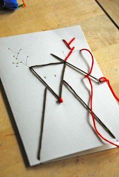 布にステッチするように、ちくちく針をさしましょう。下書きをすれば簡単です。 クリスマスにはなくてはならないトナカイさんもこの通り。