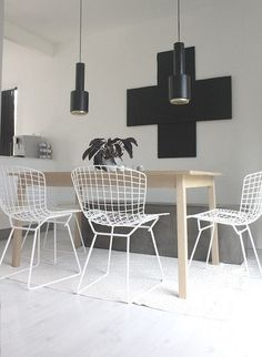 | Design | La Diamond Chair et la Side Chair de Bertoia