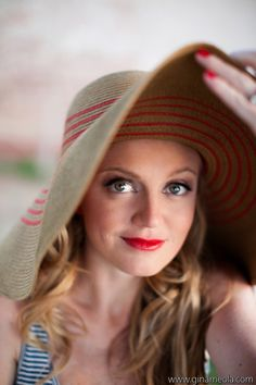 red lips, sun hat and sun dress #4thofJuly #IndependenceDay