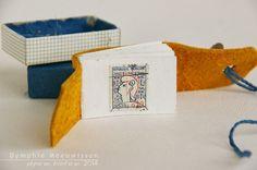Adorable miniature book for collecting stamps - Papieren Avonturen: matchbox: 'marianne'