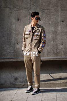 On the street. fashion week 2015 S/S ~ echeveau Rock Style Men, Weird Fashion, Male Fashion, Fashion Week 2015, Workwear Fashion, Street Style, Men Street, Gentleman Style, Menswear