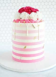 Featuring Ashley Bakes Cakes and her gorgeous cake designs of chocolate drips, stripes, and sprinkles on Find Your Cake Inspiration Chocolate Swiss Meringue Buttercream, Chocolate Ganache Cake, Pink Chocolate, Crazy Cakes, Fancy Cakes, Cute Cakes, Cake Decorating Kits, Cake Decorating Techniques, Pastel Cakes