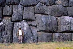 LOS MISTERIOS DEL PERU