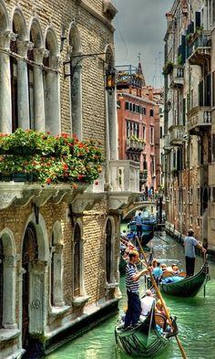 Beautiful Venice Italy bisa ga ya jakarta ky gini?
