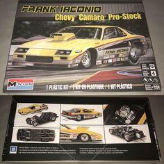 Chevy Camaro, Model Kits For Adults, Camaro Models, Model Truck Kits, Revell Monogram, Plastic Model Cars, Vintage Models, Kit Cars, Box Art