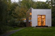 The Bridge House Bridges the Gap Between Modern Design and Rustic Charm - Homes and Hues