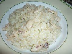 Cuttlefish risotto/Risotto alle seppie Cuttlefish, Bolognese, Risotto, Grains, Menu, Ethnic Recipes, Food, Menu Board Design, Essen