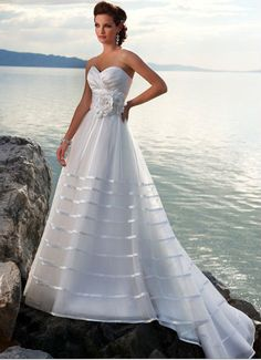 Excellent Style Sweetheart Flower Empire Wasit Stripes Gauze Satin Beach Bridal Gown