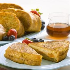 French toast stuffed with sweet cinnamon-spiced cream cheese and apricot preserves is the perfect brunch dish to greet your family on a weekend morning. #candy