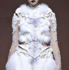 Yiging Yin Haute Couture ss2012