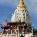 10 Most Flamboyant and Unique Pagodas and Temples. Shown here: Kek Lok Si Temple, Malaysia. Penang Hill, Tioman Island, Buddha, Malaysia Travel, Flamboyant, Buddhist Temple, Place Of Worship, Borneo, Burmese
